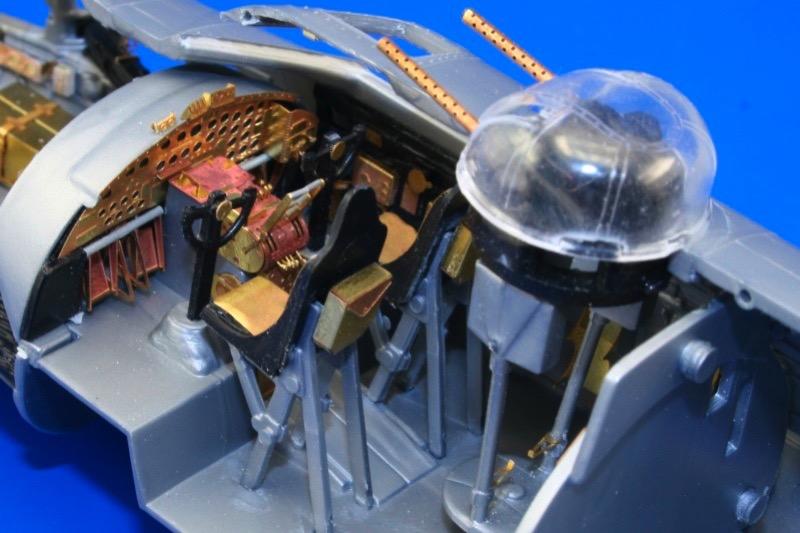 EDUARD 49360 1//48 B-17G nose interior for Revell