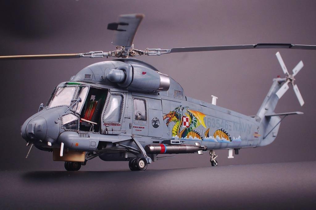Kitty Hawk 80126 1//48 SH-2G Super Seasprite  Assembly model new